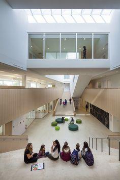 Galeria de Campus sustentável da Peer School / Bekkering Adams Architects - 1