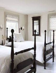 Farmhouse living has a very unique feel. If you long for that feeling, you can create a farmhouse style bedroom and have a warm and cozy space of your... | -High-bed-posts #bedroom #farmhouse #farmhousebedroom #farmhousedecor #farmhouseideas #decoratedlife