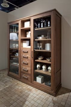 RIVA 1920 | Products | Display cabinets