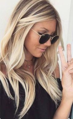 Hair color New Hair Colors, Hair Colour, Hair Skin Nails, Balayage, Blonde Hair Shades, Blonde Color, Braided Buns, Dimensional Blonde, Cabello Color