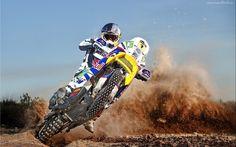 Motocross, Zawodnik, Ziemia