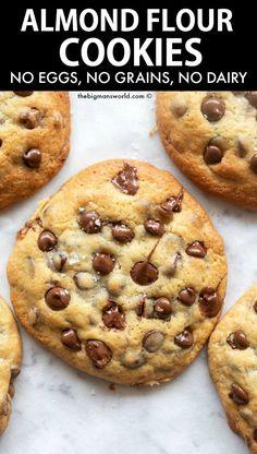 Almond Flour Cookies, Baking With Almond Flour, Keto Chocolate Chip Cookies, Paleo Cookies, Almond Flour Recipes, Healthy Cookie Recipes, Healthy Sweets, Healthy Baking, Desserts With Almond Flour