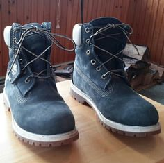 TIMBERLAND  BOOTS DARK BLUE Timberland boots worn maybe 3 times no flaws Timberland  Shoes Ankle Boots & Booties