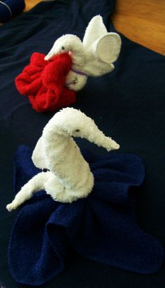 Same concept to make a Seahorse & Hummingbird out of a washcloth-) Great party favors.