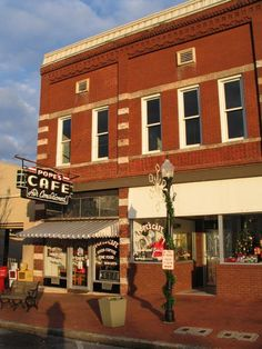 Shelbyville Tn. Popes  Cafe...  Walking Horse capitol of the World...