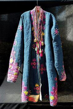 Manteau prière antique vintage afghans hommes de main du Nuristan broder XL bleu…