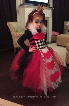 The initial inspiration for this Queen of Hearts costume was a simple gold crown on a headband I found at a retail store. My vision was born - my daug. Halloween Costume Contest, Creative Halloween Costumes, Cool Costumes, Halloween Kids, Disney Costumes, Happy Halloween, Queen Of Hearts Costume, Queen Costume, Fancy Dress