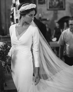 Luxury Wedding Dress, Best Wedding Dresses, Bridal Dresses, Wedding Gowns, Dream Wedding, Civil Wedding, Tulle Wedding, Long Sleeve Wedding, One Shoulder Wedding Dress