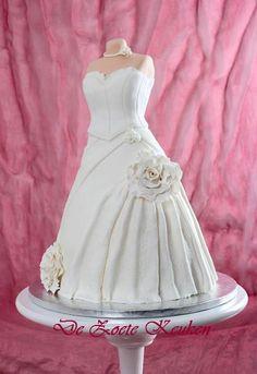 """3D bruidtaart helemaal als bruidsjurk (Pagina 1) - Bruids- en Stapeltaarten - Het """"DeLeuksteTaarten"""" - forum"""