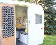 trailer-camper-door