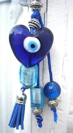 Good Luck Heart Greek lucky blue eye keychain by CarolinaHydra Blue Dream, Love Blue, Blue And White, Lucky Blue, Greek Evil Eye, Greek Blue, Greek Culture, Himmelblau, Pink Eyes