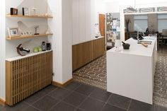 radiator omkasting in massief eiken latten  | Interieurs Tack