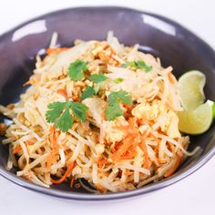 Chicken Pad Thai Rice Noodles with Chicken and Vegetables - Daphne Oz the Chew Pasta Dishes, Food Dishes, Main Dishes, Food Food, The Chew Recipes, Cooking Recipes, Asian Recipes, Healthy Recipes, Asian Foods