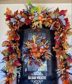 Halloween Front Door Decorations, Halloween Front Doors, Halloween Mesh Wreaths, Halloween Garland, Deco Mesh Wreaths, Fall Wreaths, Christmas Decorations, Holiday Decorating, Decorating Ideas