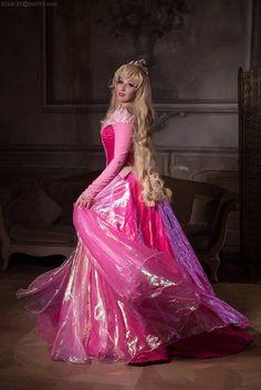 Princess Peach Cosplay, Princess Aurora Dress, Princess Dresses, Sleeping Beauty Dress, Young Girl Models, Disney Dresses, Short Tops, Dream Dress, Cosplay Costumes