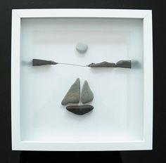 Genre de galets - galets de Pierre image - voilier -, minutieusement conçu fait. Un beau cadeau pour toute occasion. Mes images de pierre sont toujours uniques et si distinctif, elles sont faites de galets et pierres de la plage. L'image est travaillé sur isorel. À la fin du verre est