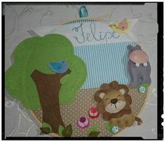 Bastidor porta de maternidade tema Safari by Cath Craft. Encomendas:  www.facebook.com/cathcraft1