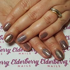 #cndshellac in #rubble with @magpie_beauty #glitter in #amelia and @moyou_london #butterfly #nailstamping  #lovecnd #lovemagpieglitter #naturalnails #glitterfade #nailart #cardiff #cardiffnails #elderberrynails #showscratch