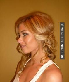 Wedding Hairstyles Down to One Side . 9 Populer Wedding Hairstyles Down to One Side . 20 Best Half Up and Half Down Wedding Hairstyles Half Up Wedding Hair, Beach Wedding Hair, Wedding Hair And Makeup, Side Swept Hairstyles, Down Hairstyles, Pretty Hairstyles, Hairstyles Videos, New Bridal Hairstyle, Wedding Hairstyles For Long Hair