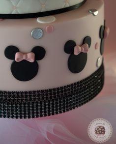Minnie firts birthday cake