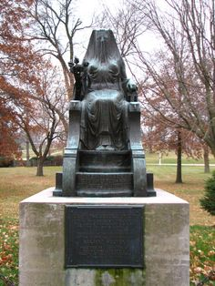 2. Herbert Hoover's slightly creepy, strangely beautiful Goddess of Life statue