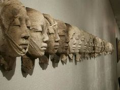 sculptures terre enfumée by evelyne galinski, via Behance