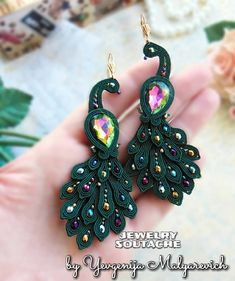 And in 2019 I open the birds for Natalia. In principle, the idea of a soutache bead mi … Peacock Earrings, Fabric Earrings, Soutache Earrings, Diy Earrings, Earrings Handmade, Lego Jewelry, Jewelry Tags, Silk Bangles, Beaded Necklace Patterns