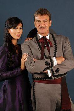 Fernando Lupiz as Diego de la Vega aka Zorro with Ximena Capristo.