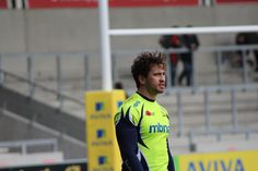 Danny Cipriani of Sale Sharks, prepared to kick the convertion on Tom Arscot's first try, in the beginning 15 minutes of the Aviva Premiership.