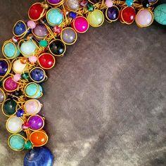 Gargantilla cuajada de piedras #gargantilla #oshjewellery #jewellery #summer