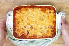 Der Low-Carb Bolognese-Auflauf frisch aus dem Ofen