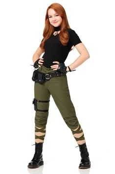 'Kim Possible': See the first photo of Disney's live-action movie - - When I was your age, all you could do to reach your favorite teenage action heroine was call her or…. Kim Possible Outfit, Kim Possible Cosplay, Kim Possible Kostüm, Kim K Halloween Costumes, Kim Possible Halloween Costume, Easy Disney Costumes, Disney Characters Costumes, Easy Movie Character Costumes, Costume Ideas