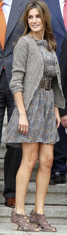 Queen Letizia is my girl crush. I love this more casual outfit, looks so comfy!