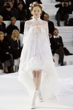 Chanel Spring 2006 Couture Fashion Show - Lily Cole Couture Mode, Style Couture, Couture Fashion, Runway Fashion, Fashion Show, Lily Cole, Chanel Couture, Blush Rosa, Bridal Dresses