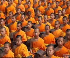 Puzzle Νέοι βουδιστές μοναχοί