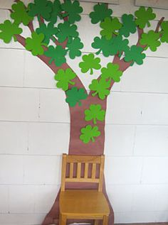 Looking for something new to do this Saint Patrick's Day? Why not make a shamrock tree with your little ones and have everyone write down why they're feeling lucky this year! St Patrick's Day Crafts, Holiday Crafts, Diy And Crafts, Crafts For Kids, Arts And Crafts, Daycare Crafts, St Patricks Day, Saint Patricks, St Pattys