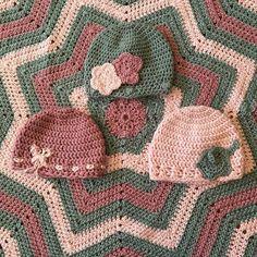 Baby hats and baby blanket! #girl #girly #pink #grey #pinkandgrey #babyblanket #babyhat #elephant #bow #flower #star #babygirl #crochethat #crochetblanket #handmade #imadethis by 2gurls_crochet