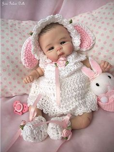 "dolls by Rasbubby Hill. ❤ooak Hand Sculpted Clay Baby Girl ""London"" by Joni Inlow Dolly Street❤ Cute Little Baby, Little Doll, Little Babies, Pretty Dolls, Cute Dolls, Beautiful Dolls, Tiny Dolls, Ooak Dolls, Dollhouse Dolls"