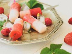 Tutorial DIY: Przygotuj owocowe lody na patyku z brzoskwiniami i malinami albo z…
