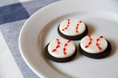 10 baseball themed treats perfect for any party, celebration or game day treat!   Our Three Peas