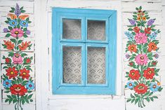 Zalipie in Poland: welcome to the village adorned with intricate floral patterns - 3 Wooden Cottage, Painted Cottage, Feast Of Corpus Christi, Local Painters, Polish Folk Art, Glass Building, Motif Floral, Floral Patterns, Floral Design