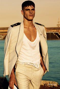 Men's summer fashion trend style tip...hip sexy Tee, Blazer ensemble
