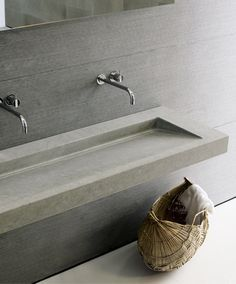 Explore all of the options for your bathroom sink! See beautiful modern bathroom sinks, the perfect sink for small bathrooms ideas, and how to compliment any bathroom vanity with the best sink for you. Concrete Basin, Concrete Bathroom, Concrete Cement, Bad Inspiration, Bathroom Inspiration, Wall Mounted Taps, Beton Design, Boffi, Tadelakt