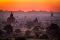 Marvelling at the temples in Bagan Bagan, Buddhist Temple, 12th Century, More Photos, Buddhism, Monument Valley, Tourism, Marvel, River