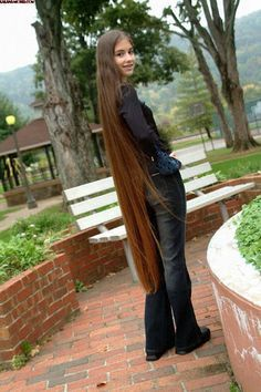 Floor length hair. Long hair ankles & longer 1 en 2019