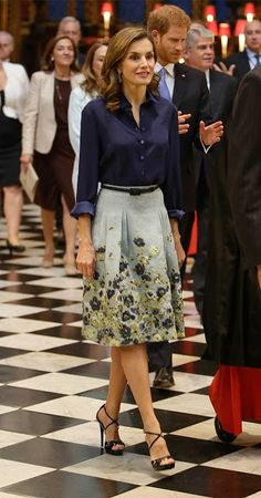 Skirt and blouse:Caroline Herrera Sandals:Caroline Herrera Clutch:Felipe Varela