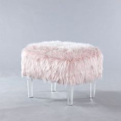 The Melia Leg Ottoman is a whimsically modern, decorative accent that blends high design with seating capacity. Plush faux fur combined with acrylic legs make this a great decor statement piece. Old Chairs, Cafe Chairs, Pink Chairs, White Chairs, Girls Bedroom, Bedroom Decor, Bedroom Ideas, Master Bedroom, Ottoman