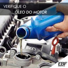 O óleo serve para resfriar e lubrificar o motor, caso o seu nível esteja muito baixo problemas no motor podem aparecer.  Para verificar o óleo é só puxar a vareta, limpá-la e inseri-la totalmente de volta no local, quando tirar o nível do óleo deve estar entre os furos, que indicam o máximo e  o mínimo. Nessa verificação também é necessário observar a cor. Caso ele esteja marrom está tudo certo, mas se estiver muito escuro, puxado para um preto, é hora de trocar.  www.ebfrotas.com.br