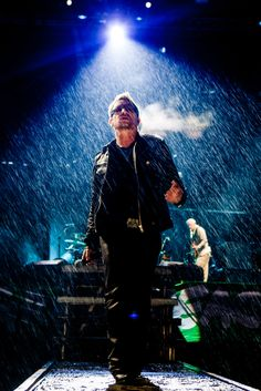"""#Bono lets us know, """"He Still Hasn't Found What He's Looking For"""" I say we show him! Anyone in for a LONG LOUD standing O after encore in Vancouver May 12? #theman #U2"""