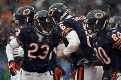 Jay and Devin Hester Bears Football, Football Helmets, Jay Cutler Bodybuilder, Devin Hester, Little League Baseball, Injury Report, Nfl News, Best Player, Chicago Bears